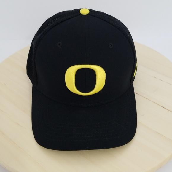 5927e6a3 Nike Accessories | Oregon Ducks Drifit College Basketball Cap | Poshmark